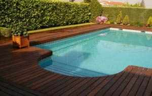 Tarima de exterior para piscina