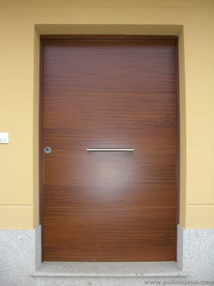 Puertas coru a carpinter a pallas deus for Puertas para entrada